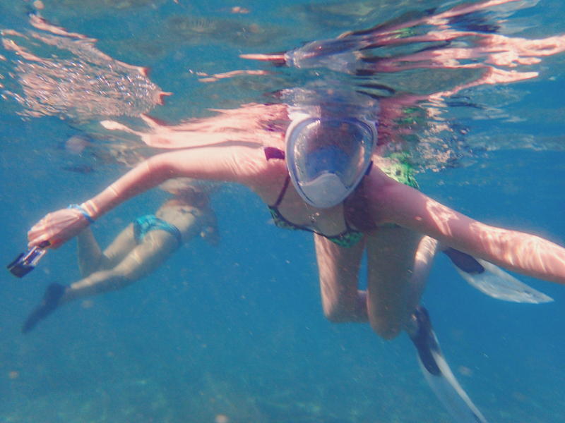 Find your adventure with Helene from Flight to Somewhere. Here she is scuba diving with her full face mask!